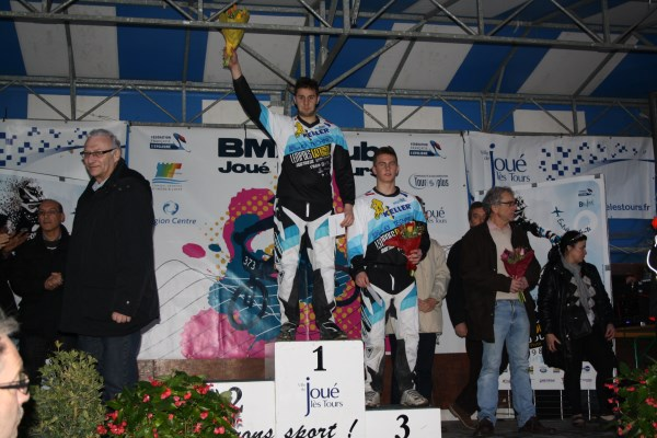 podium thomas evan joue_renamed_30089